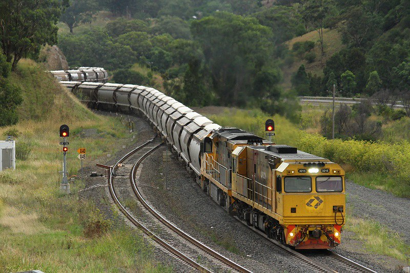 Aurizon at Ardglen by David Arnold