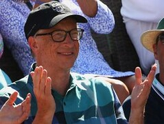 Bill Gates and William Buffett flat-topped the list with an internet value of  billion and .6 billion