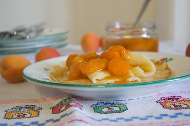 zwergenprinzessin frühstückt: amaretto-aprikosen-pfannkuchen mit amaretto