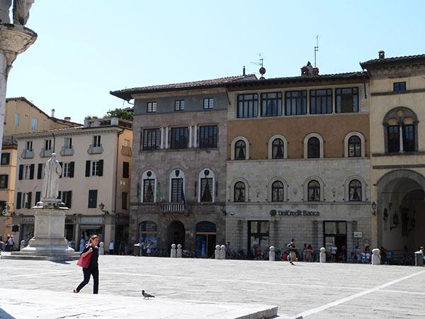 piazza san michele de jour