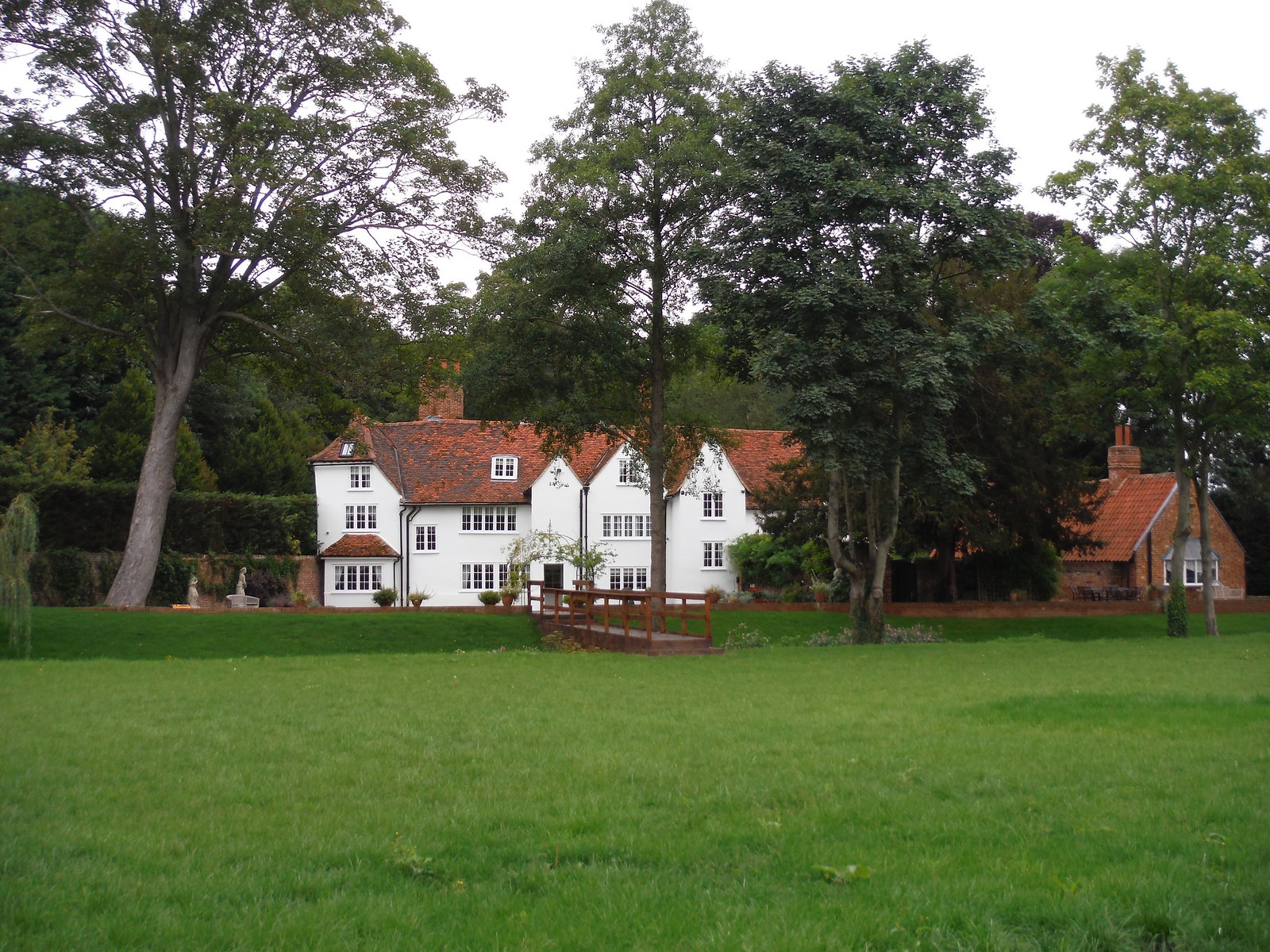 Hadham Mill SWC Walk 164 Roydon to Sawbridgeworth via Henry Moore Foundation