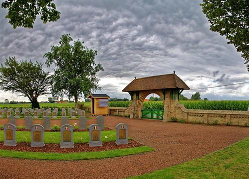 Militaire begraafplaats in Hoogstade