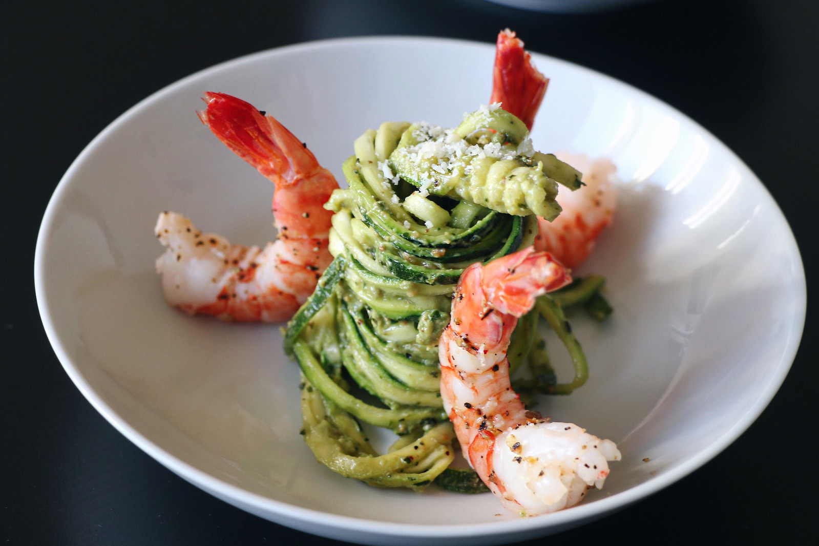 kale pesto zoodles with prawns 4