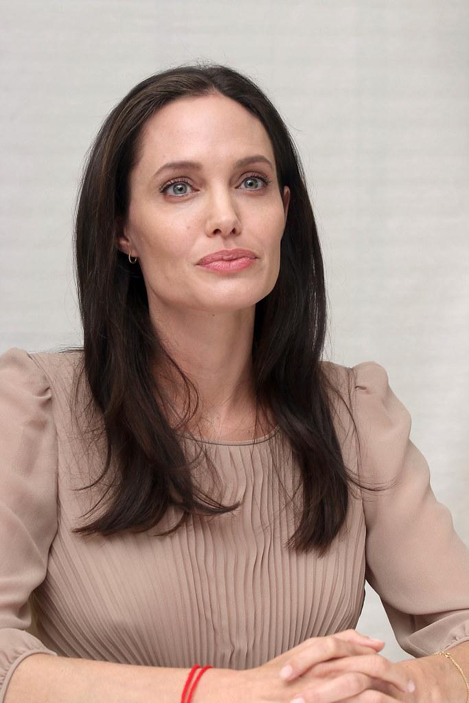 Анджелина Джоли — Пресс-конференция «Лазурный берег» 2015 – 62