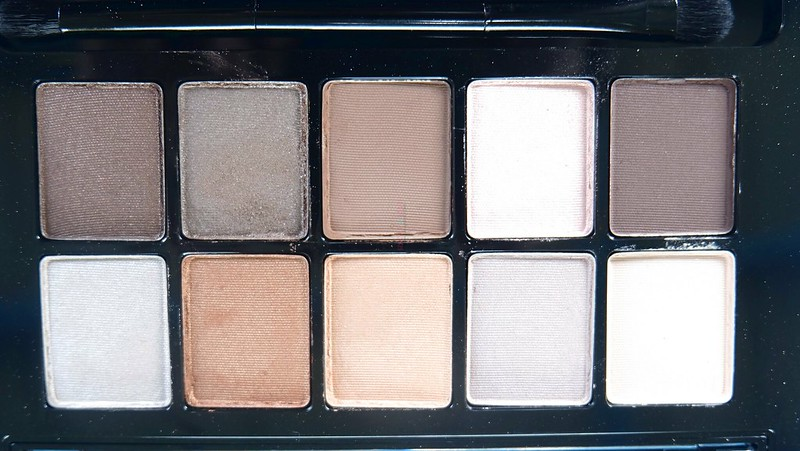 revlon-not-just-nudes-passionate-eyeshadow-palette-3