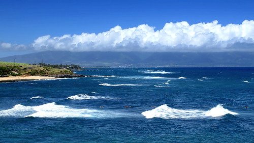 hawaii maui north coast sea seashore coastline scenery seascape landscape blue water sky clouds surfing surfers paradise peterch51