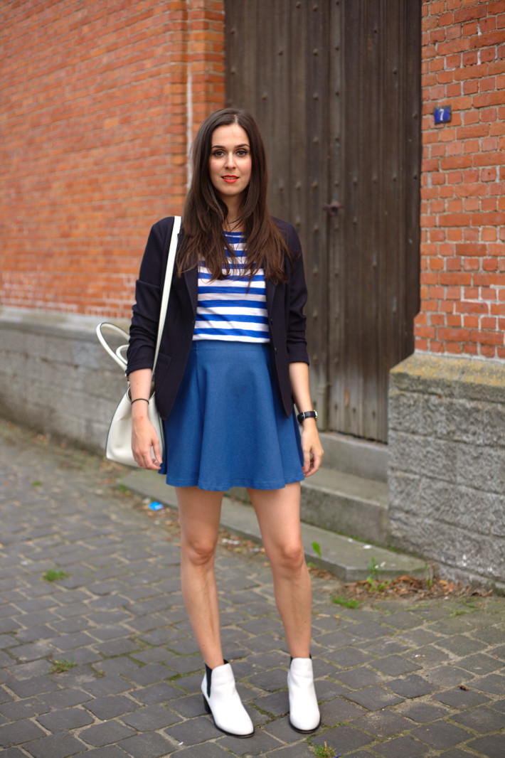 outfit: back to school, preppy stripes, blazer and skater skirt