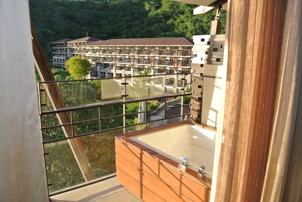 Balcony Hot Tub O A