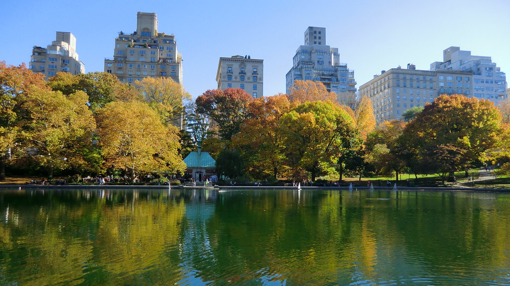 New York: Central Park - The Ramble & Lake - view to west