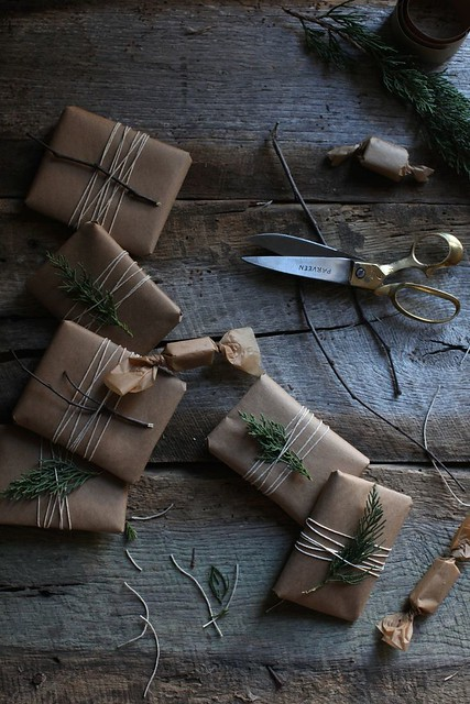 06-christmas-wrapping- paper