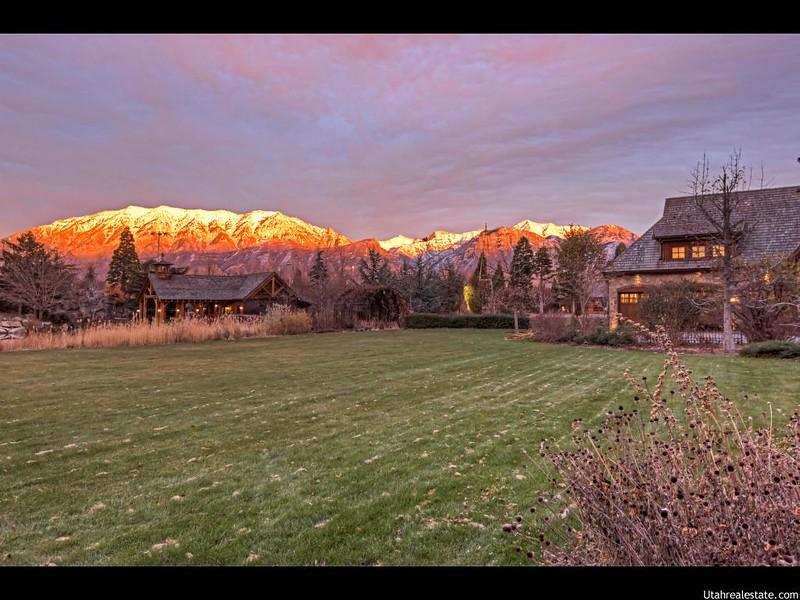 Красивый дом с видом на горы в Юте