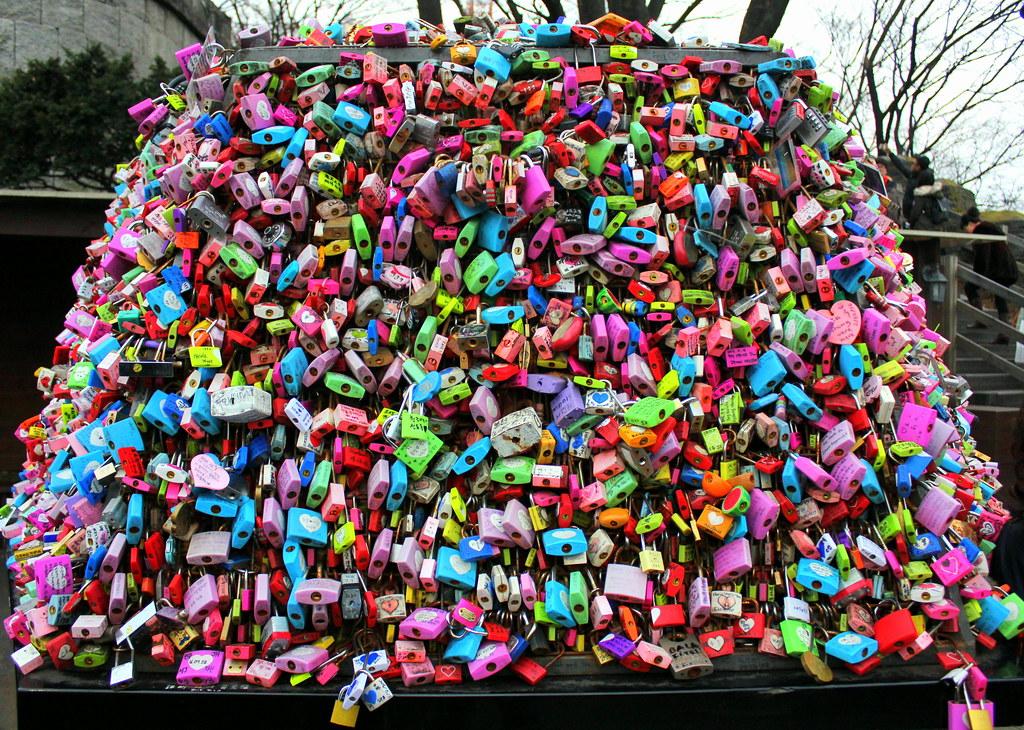 namsan-love-locks