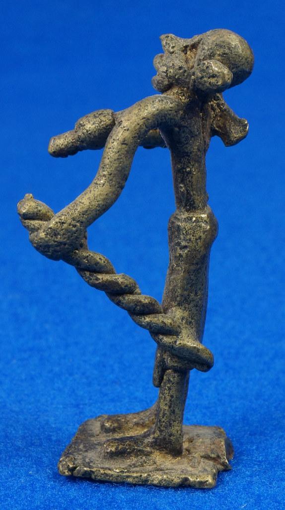 RD15105 4 Vintage African Hand Made Folk Art Primitive Figurines Solid Cast Brass Burkina Faso Yoruba West Africa DSC07122