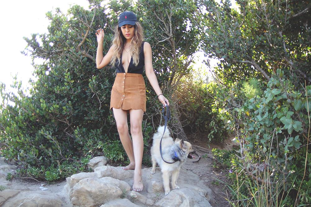 Reformation Abigail Skirt Peanut, suede scalloped skirt, Viola Bodysuit, baseball hat cap, Corono del mar, low neck, v-neck
