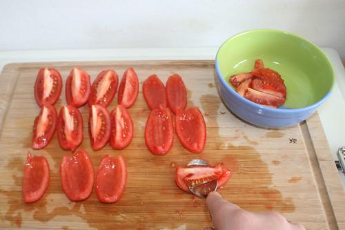 19 - Tomaten entkernen / Decore tomatoes