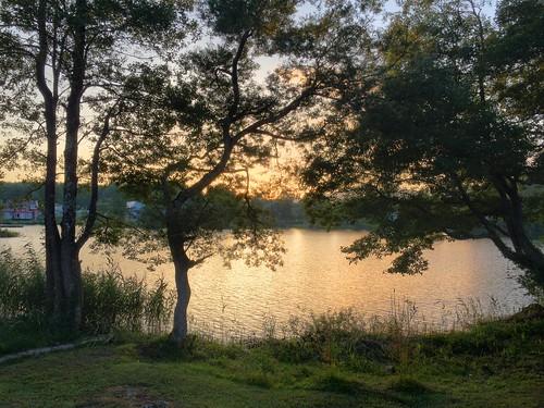 曽原湖の夕暮れ