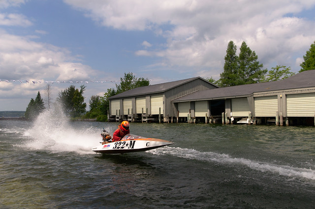 Racer 322M