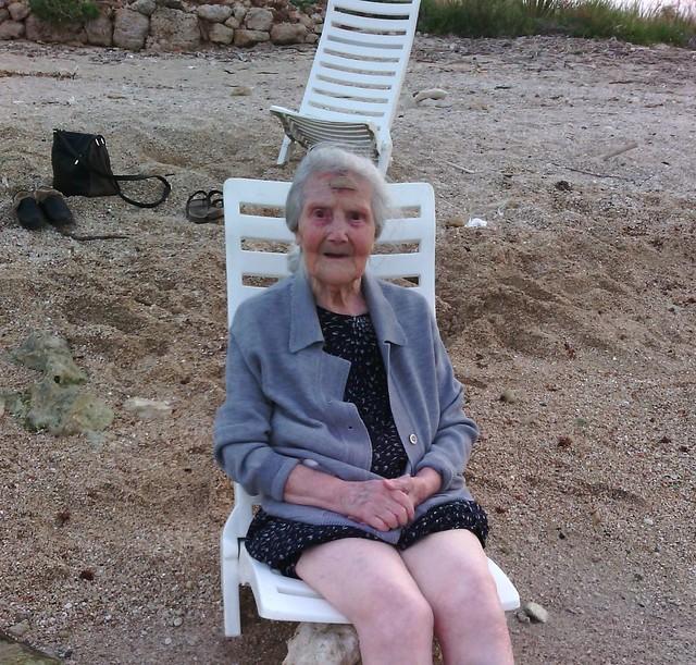 Rutigliano-Auguri i primi 100 anni di Francesca (2)