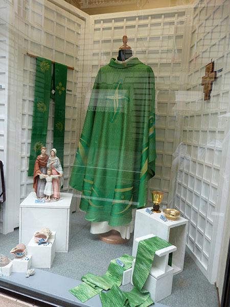 vêtements ecclesiastiques