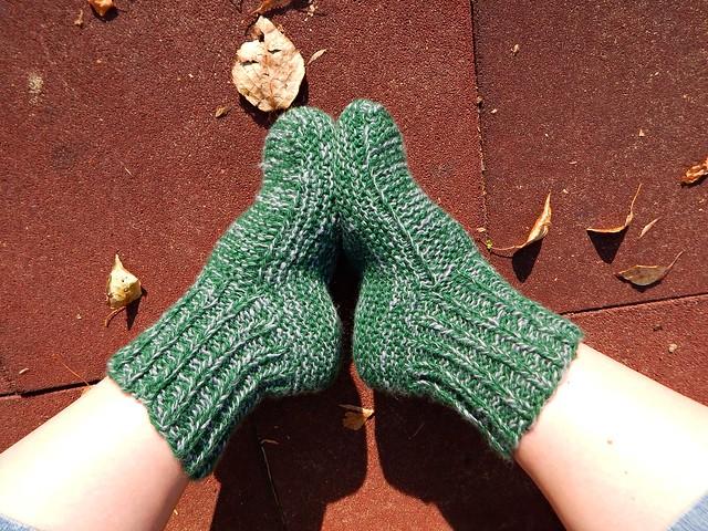 зеленые носки-тапки | ХорошоГромко.ру