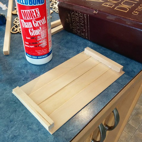Glue supports across end of slats