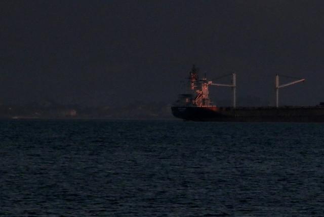 Un barco a poniente