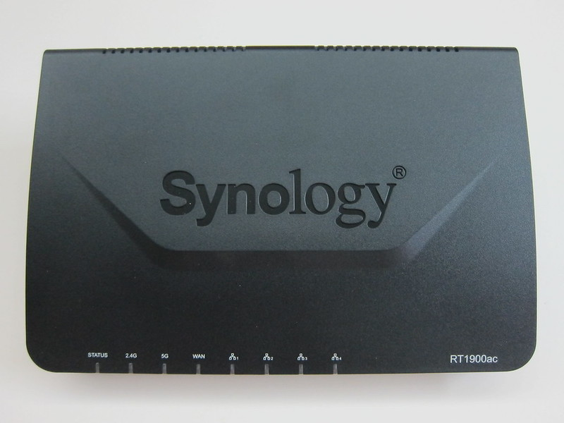 Synology Router RT1900ac - Front