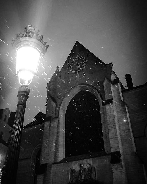 'Eglise saint Nicholas/Sint Niklaaskerk' - #Brussels #Belgium #church #photography #smartshots #welovebrussels #visitbrussels #hellhole #night #snow #winter #BW #B&W