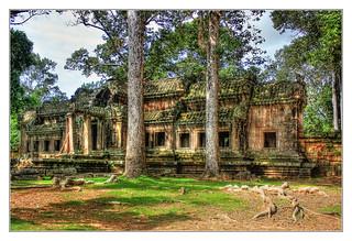 Siem Reap K - Angkor wat gate house 03