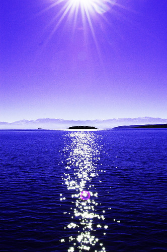greece itea fokida deep blue sea water sun island mountains sky purple sunlight sunbeams view home romantic nostalgic freedom nature outdoor