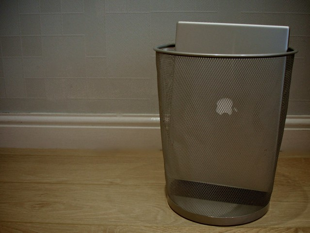 Mac in the Bin - by nathan makan via Flicker