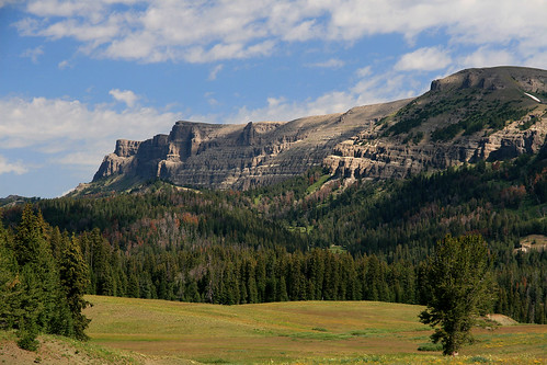sky usa mountains nature clouds landscape butte unitedstates northamerica wyoming togwoteepass