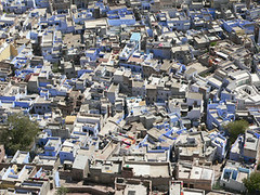 metropolis(0.0), cityscape(0.0), public space(0.0), downtown(0.0), plaza(0.0), traffic congestion(0.0), slum(0.0), town(1.0), urban design(1.0), bird's-eye view(1.0), suburb(1.0), urban area(1.0), residential area(1.0), aerial photography(1.0), city(1.0), neighbourhood(1.0),