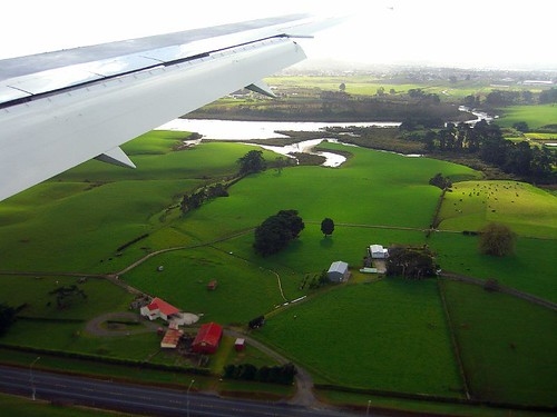 We are in New Zealand in 2006.(0724-25)
