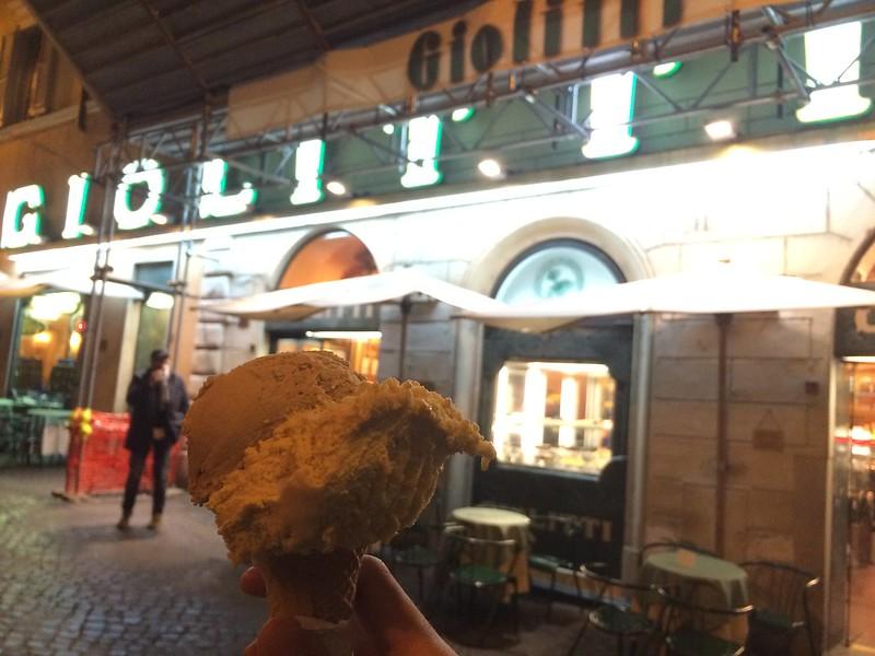 Gelato at Giolitti.