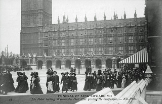 Image of King Edward VII. uk london bigben funeral queue monarch 1910 metropolitan palaceofwestminster westminsterhall williamgladstone catafalque kingedwardvii lyinginstate canonrow messengerboys newpalaceyard cannonrow