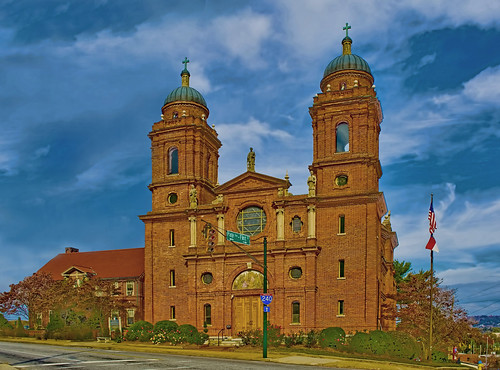 Basilica of St. Lawrence, 97 Haywood Street, Asheville, North Carolina, USA / Architect: Rafael Guastavino / Completed: 1905 / Architectural Style: Spanish Baroque Architecture, Beaux-Arts architecture