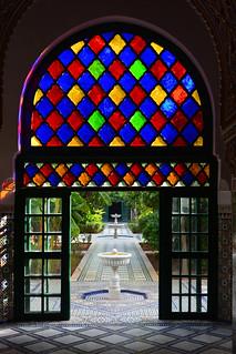 Εικόνα από Bahia Palace κοντά σε Menara. marrakech marrakechsafi morocco photobygeorgerex imagesgeorgerex maroc marrakesh ma ⵜⴰⴳⵍⴷⵉⵜⵏⵍⵎⴰⵖⵔⵉⴱ المملكةالمغربية bahiapalace marble zellige architecture smallcourtyard arch