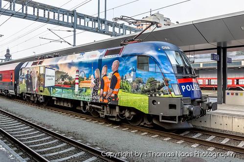 gemeinsam sicher feldkirch vorarlberg österreich austria eisenbahn railways zug züge lokomotive outdoor fahrzeug öbb siemens taurus es64u2 spezialbemalung specialpaint