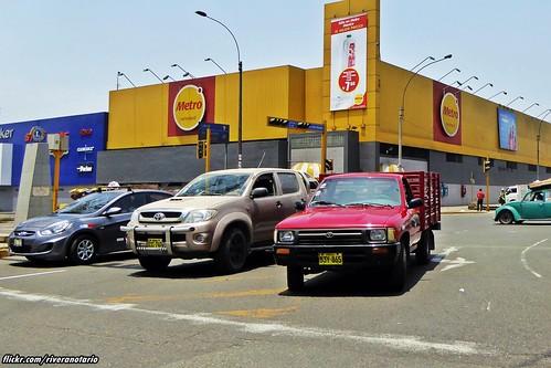Toyota Hilux, Supermercado Metro - Lima, Perú