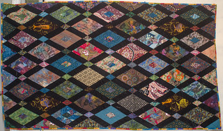 Quick notes about the finished quilt: domesticat.net/quilts/crossroads