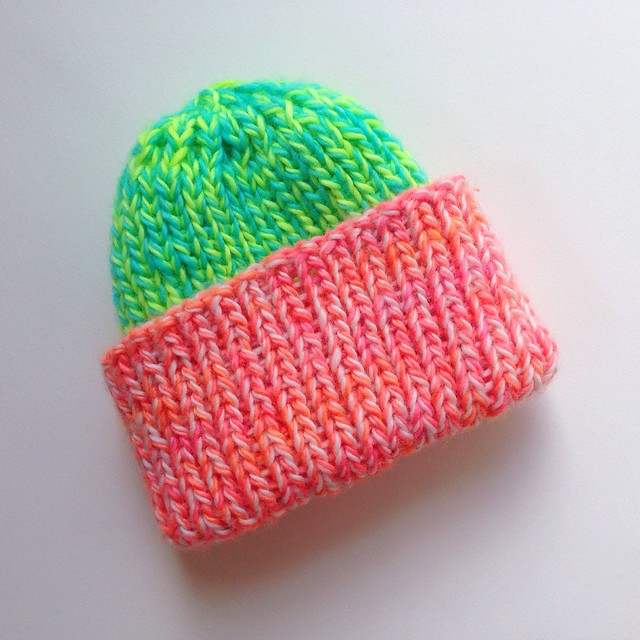 Rad beanie for Switchblade!Madelinetosh Unicorn Tails- Neon Peach- Antler- Button Jar Blue- Edison Bulb