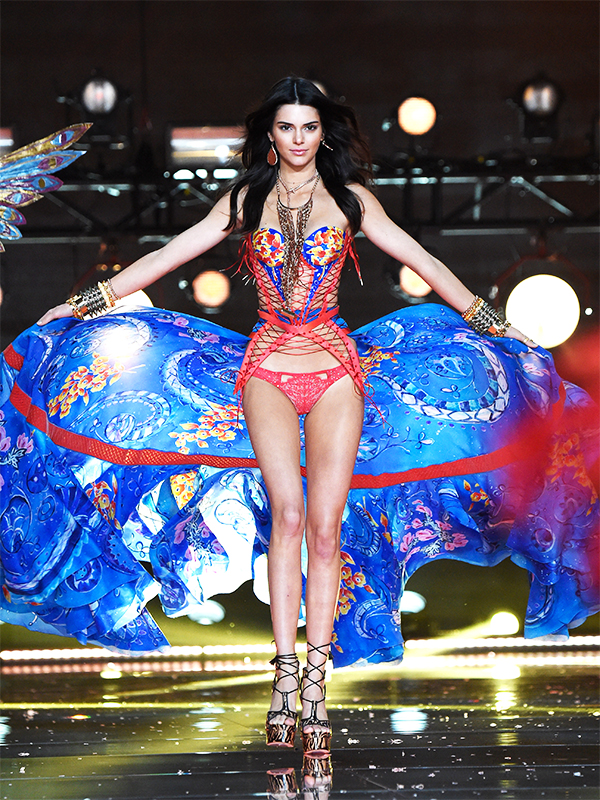 Kendall Jenner Victoria's Secret Fashion Show 2015 Pictures