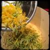 #Homemade #PastaAiFioriDiZucca #CucinaDelloZio - while pasta... Add shredded zucchini