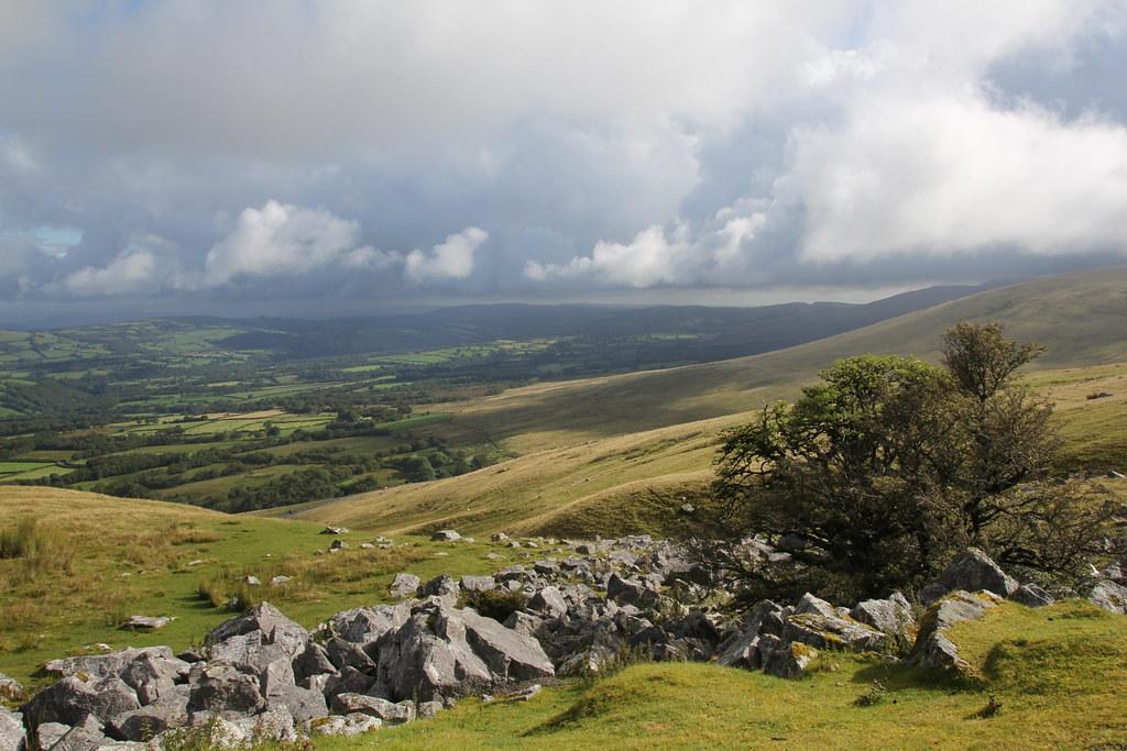 afon clydach, black mountain, foel fraith, garreg lwyd, pen y clogau, carreg cennen, pen rhiw ddu