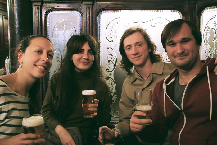 London-Pub-Friends