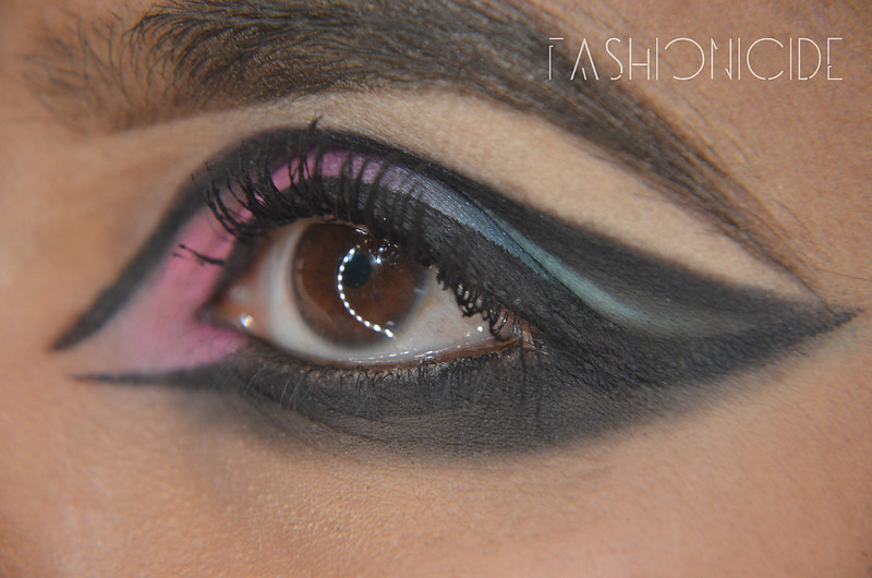 Smokey-Sixties-Eye-Makeup-(5-of-7)