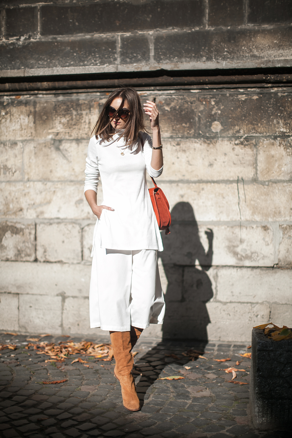 white-long-turtleneck-culottes-outfit-street-style