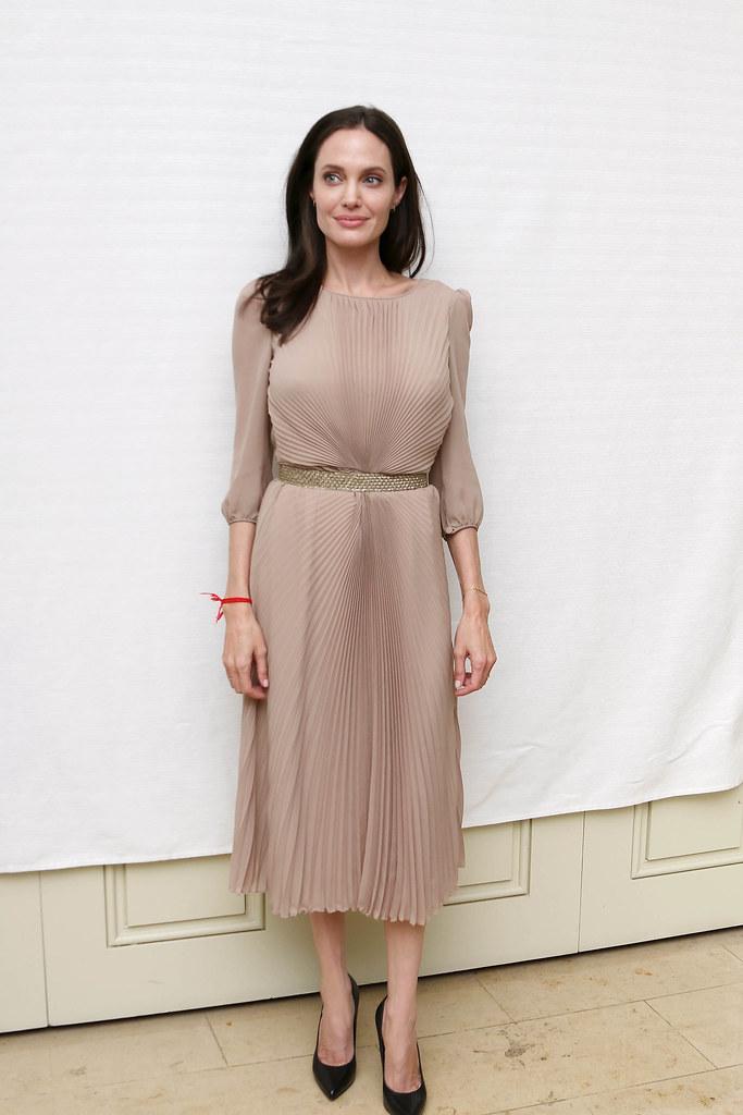 Анджелина Джоли — Пресс-конференция «Лазурный берег» 2015 – 47