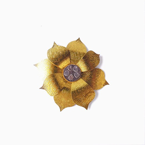 Paper Artist Collective - Gold Foil Flower by Nico Ng